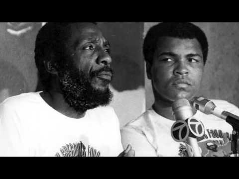Dick Gregory speaks on Al Sharpton wearing a Wire and Politics
