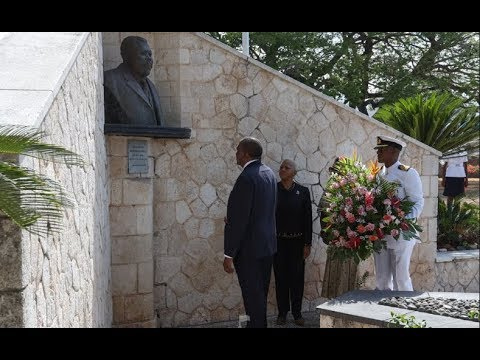 SEE  PRESIDENT UHURU KENYATTA VISITING MARCUS GARVEY MUSEUM IN JAMAICA!